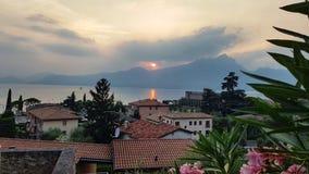 Garda озера заход солнца Стоковое фото RF