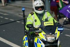Garda - agentes da polícia irlandeses Fotos de Stock