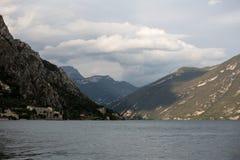 Garda Seeansicht von den Bergen herum lizenzfreies stockfoto