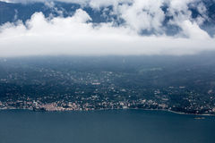 Garda Seeansicht von den Bergen herum lizenzfreie stockfotografie