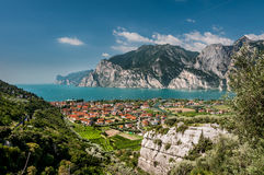 Garda sjö (Lago di Garda) Royaltyfri Fotografi