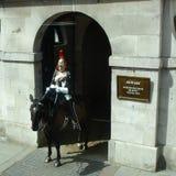 Garde de cheval devant Whitehall Images libres de droits