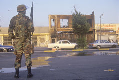 Garde national patrouillant après 1992 des émeutes, Los Angeles centrale du sud, la Californie Photos stock
