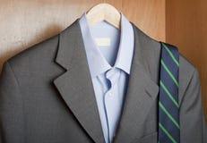 Garde-robe d'homme d'affaires image stock