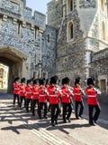 Garde royale dans le palais de Windsor, Londres, R-U Images stock