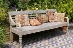 Free Garden Bench Royalty Free Stock Images - 16469059