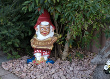 Garden gnome mit HELLO shield Stock Photography