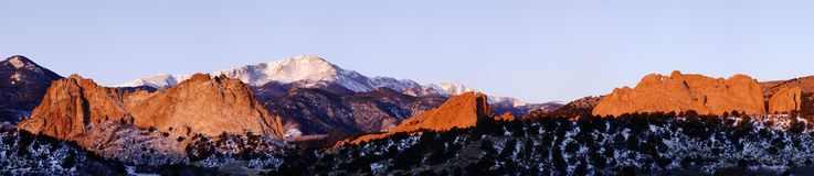 Garden of the Gods and Pikes Peak royalty free stock photos