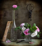 Garden roses and keys Royalty Free Stock Images