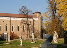 Garden with statues and sculptures Fanco the Scrovegni Chapel in Padua in the Veneto region between heaven and color of leaves &#x Stock Images