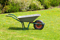 Garden-wheelbarrow Royalty Free Stock Photography