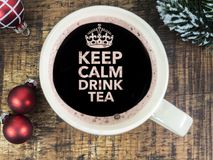 Gardez la pièce en t calme de boissons Image libre de droits