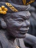Gardian staty på den Bali tempelingången Royaltyfria Bilder