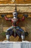 Gardien de démon en Wat Phra Kaew, point de repère célèbre de Bangkok de la Thaïlande photographie stock