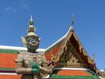 Gardien de temple grand de palais, Bangkok, Thaïlande Photographie stock libre de droits
