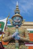 Gardien Wat Phra Kaew Grand Palace (temple de démon de l'émeraude Images stock