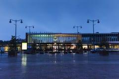 Gare δ ` Arras - σιδηροδρομικός σταθμός στο βράδυ Στοκ φωτογραφία με δικαίωμα ελεύθερης χρήσης