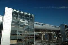 Gare de dock de ponton, chemin de fer léger de quartiers des docks Photos libres de droits