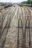 Gare de fret avec des trains image libre de droits