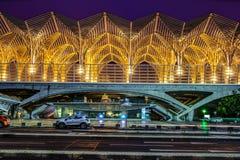Gare du Oriente Orient驻地公共交通工具由建筑师圣地牙哥・卡拉特拉瓦设计了 免版税库存图片