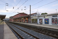 Gare ferroviaire d'Antibes, France Photographie stock