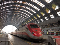 Gare ferroviaire de Milan Centrale Photographie stock