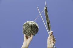 Garen van te breien wol en naalden Royalty-vrije Stock Fotografie