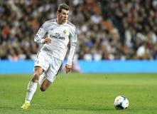 Gareth Bale del Real Madrid corre con la bola en ataque contrario fotos de archivo libres de regalías