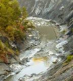Garganta com a torrente do blanche do La do rio Fotografia de Stock Royalty Free