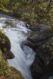 Garganta de Gudbrandsjuvet da cachoeira em Valldal, Noruega Fotografia de Stock Royalty Free