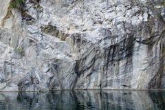 Garganta de mármore branca grande e maciça Fotografia de Stock Royalty Free