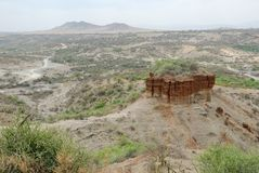 Garganta de Olduvai de la visión panorámica, la cuna de la humanidad, gran Rift Valley, Tanzania, África del este foto de archivo libre de regalías
