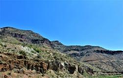 Garganta de Salt River, dentro da reserva indígena branca de Apache da montanha, o Arizona, Estados Unidos imagens de stock