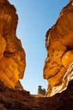 Garganta de Tashwinet, montañas de Akakus, Sáhara, Libia Imagenes de archivo