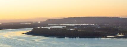 Garganta del río Columbia en la puesta del sol imagen de archivo