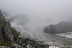 Garganta nublada del río Fotografía de archivo