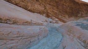 Garganta surpreendente do mosaico no parque nacional de Vale da Morte Califórnia filme