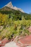 Garganta vermelha da rocha no parque nacional de Waterton Fotos de Stock