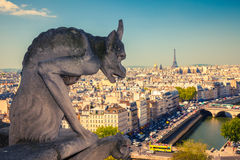 Gargouille sur Notre Dame Cathedral Photos stock