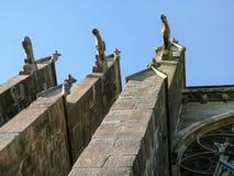 gargouilles op muur van Basiliek van Heiligen Nazarius royalty-vrije stock fotografie