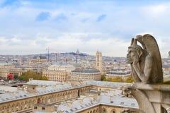Gargoyle på den Notre Dame domkyrkan, Frankrike Arkivfoton