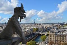 Gargoyle på Notre Dame i Paris Arkivfoton