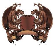 Gargoyles με την ασπίδα και το έμβλημα Στοκ φωτογραφίες με δικαίωμα ελεύθερης χρήσης