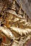 Gargoyles del demonio en la capilla del Buddha esmeralda, Bangkok (po Foto de archivo libre de regalías