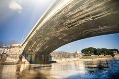 Garibaldibrug in Rome, Italië Tevererivier Stock Foto