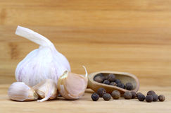 Garlic and allspice Royalty Free Stock Photos