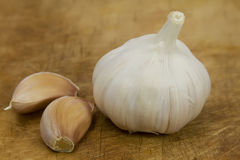 Garlic Bulb and cloves Royalty Free Stock Photography