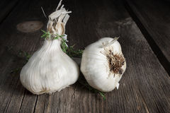 Free Garlic Bulbs Royalty Free Stock Photo - 28945545