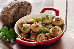 Garlic button mushrooms Royalty Free Stock Image