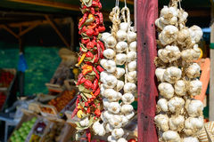 Garlic and chilli on the market Stock Images